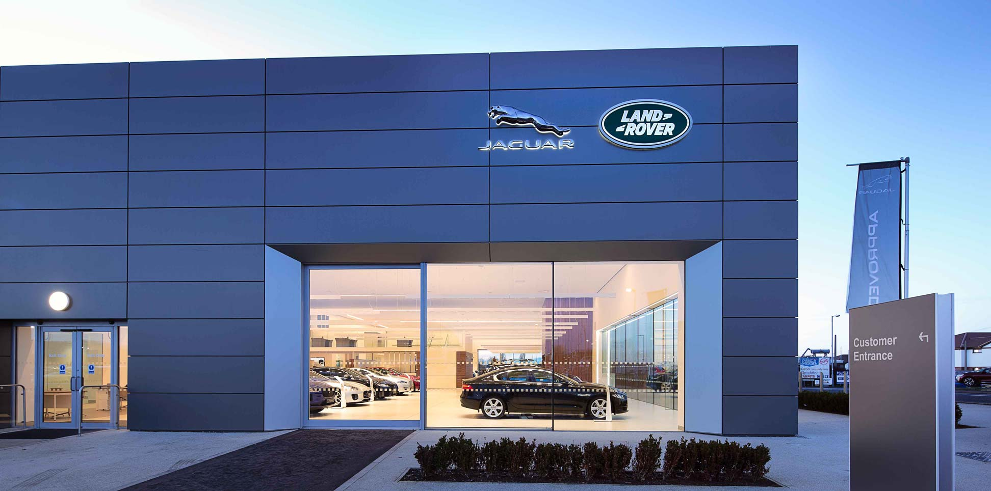 Jaguar Land Rover Arch Dealership, Ayr. Photography by James Thompson
